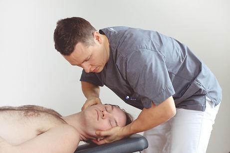 Osteopati Behandling av nakkeplager