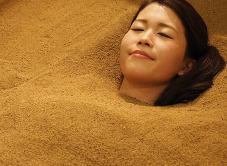 【酵素浴の効果】大量発汗で血行改善・むくみ改善