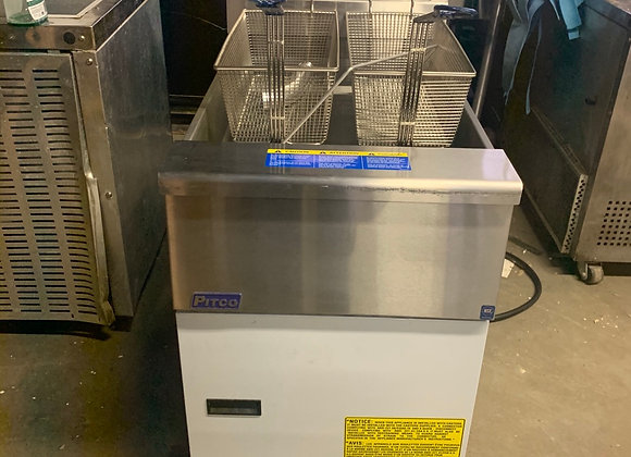 PITCO SG18 GAS FRYER FRIALATOR DEMO UNIT WITH CASTERS
