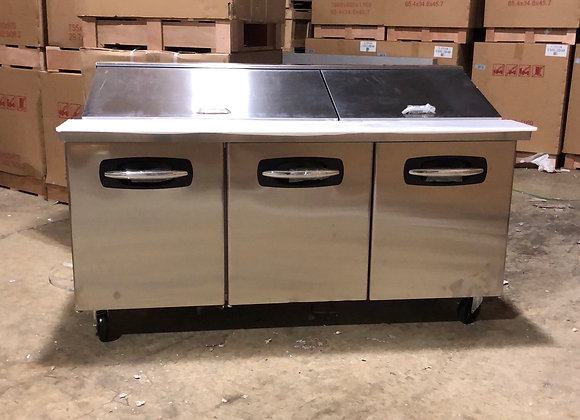 """NORLAKE SMP72-30 72"""" COMMERCIAL MEGA TOP SANDWICH PREP TABLE SCRATCH AND DENT"""