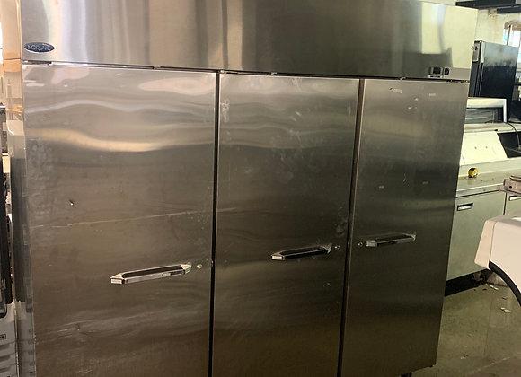 """Nor-Lake NF803SSS/0 Nova 82 1/2"""" Solid Door Reach-In Freezer - 79.9 Cu. Ft USED"""