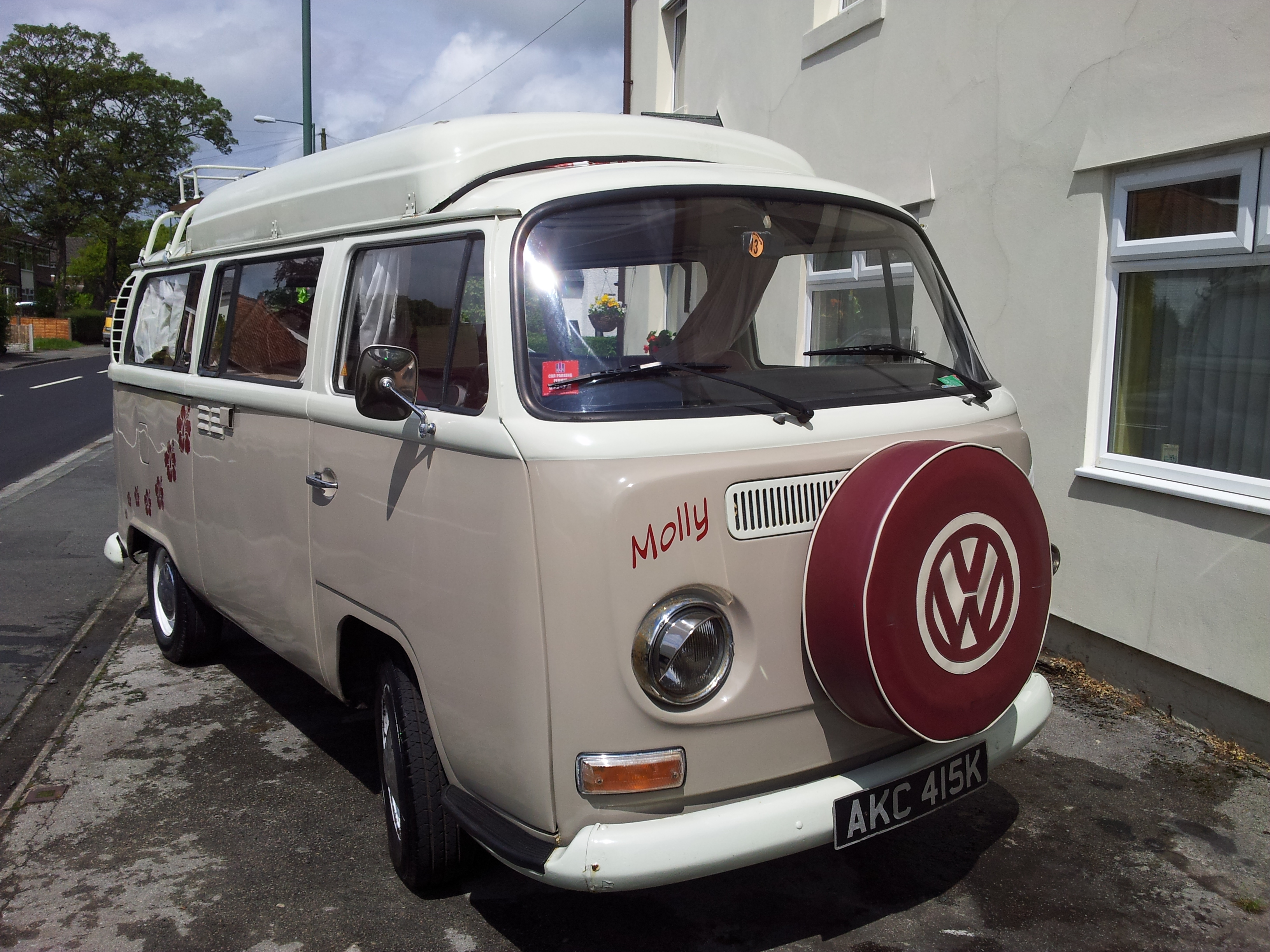 "VW Camper ""Molly"""