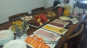 Somente de 15 de dezembro à 15 de março oferecemos café da manhã.