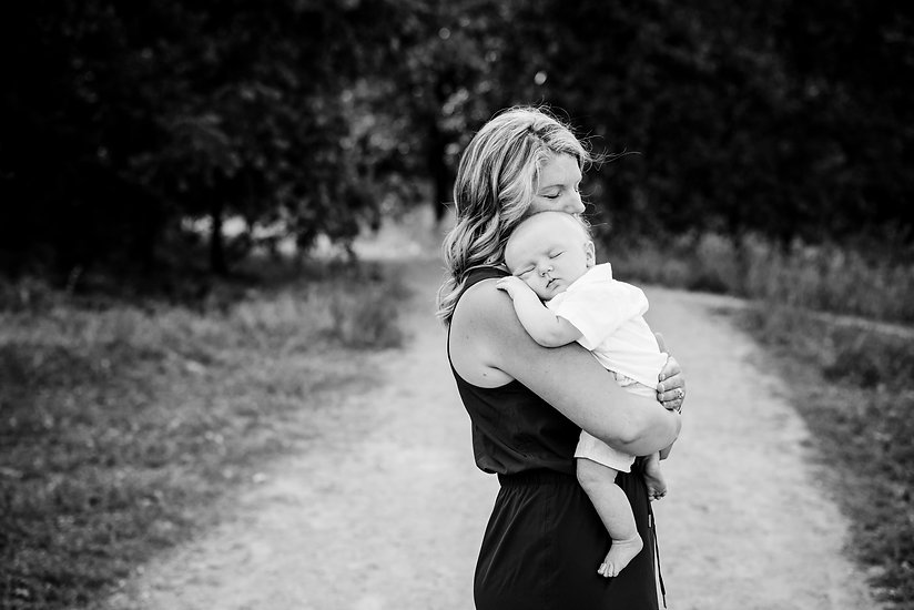 Redding photographer Cayton Heath Photography, black and white with mother and baby