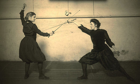 Žene na času mačevanja kraj 19. veka