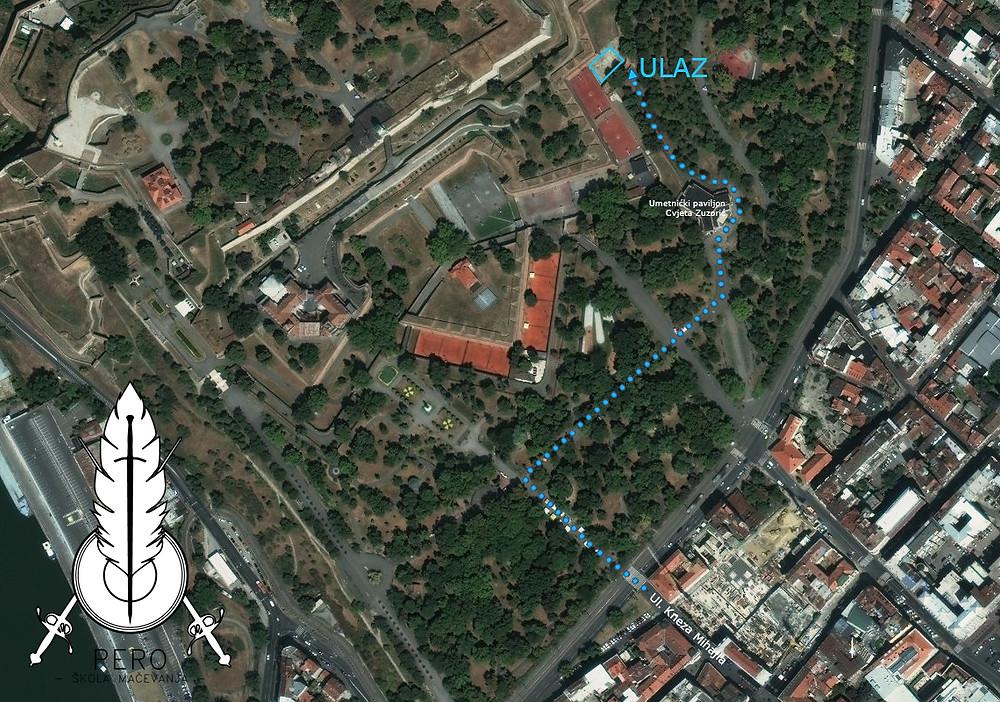 Plavim tačkicama je markiran put od kraja ulice Kneza Mihajla do naše lokacije na Kalemegdanu.