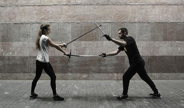 Mačevanje rapirom i bodežom, PERO Škola mačevanja