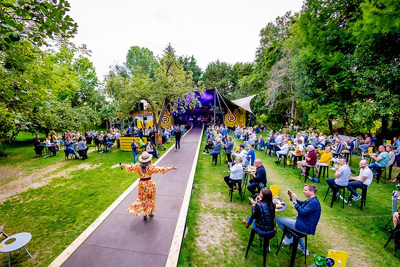 Trijntje Oosterhuis - De Tuin van 2020 - 23-7 - 02