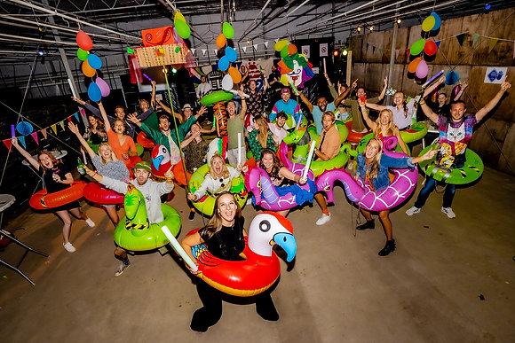 Groepsfoto Zwaagdijk-Oost 3FM Lowlands bij je thuis