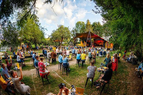 Paul de Leeuw - De Tuin van 2020 - 21-8 - 02
