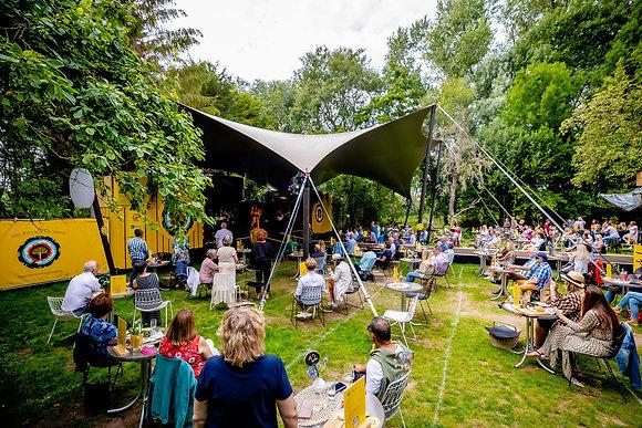 Trijntje Oosterhuis - De Tuin van 2020 - 23-7 - 03