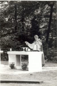 Bishop-Laurie-Brown-celebrating-Communion-after-dedication-of-new-altar-3rd-Sept-1978-200x300.jpg