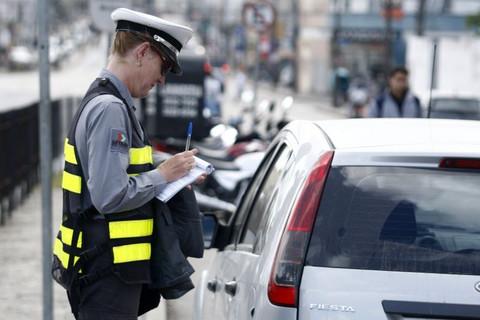 Por que devo recorrer de uma multa de trânsito?