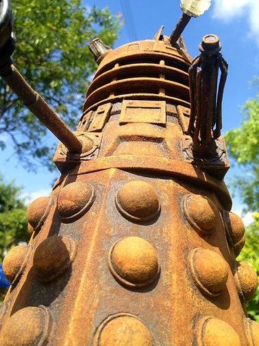 rusty paint dalek