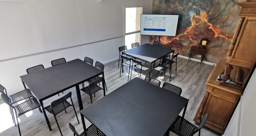 La Joyeuse Cousinade Salle de réunion