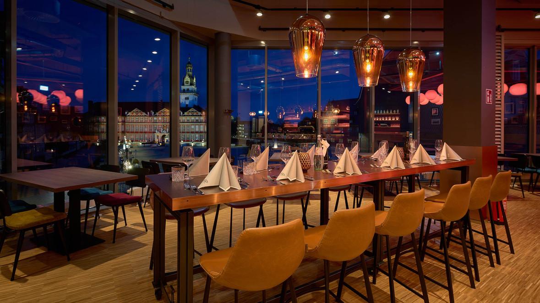 Obergeschoss_Zum Glück-Restaurant & Bar.jpg