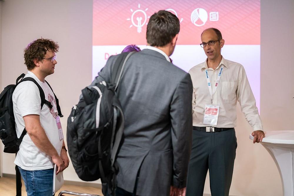Ralf Schlenk (Nokia) explaining anomaly detection using Flex4Apps platform
