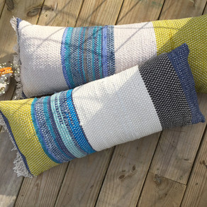 Rag rug pillow style!