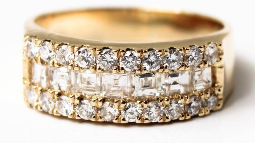 دبلة الماس ماري عيار 18