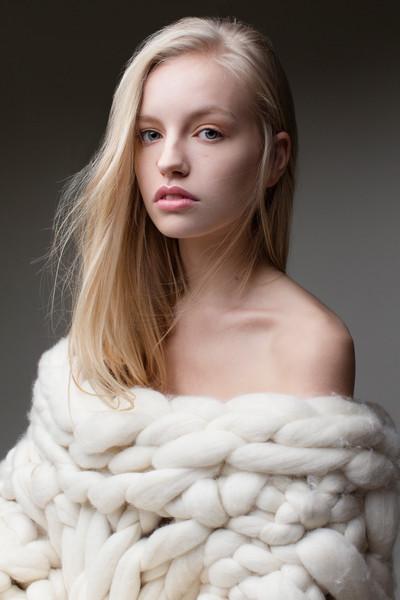 Model: Lola Rose Evans, Photographer: Ella Sadika, Stylist: Alicia Rodriguez Aparicio, Hair: Betty Bee Hair, Make up: Sandra Nilsen