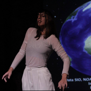 Moon Ribas performing Waiting for Earthquakes