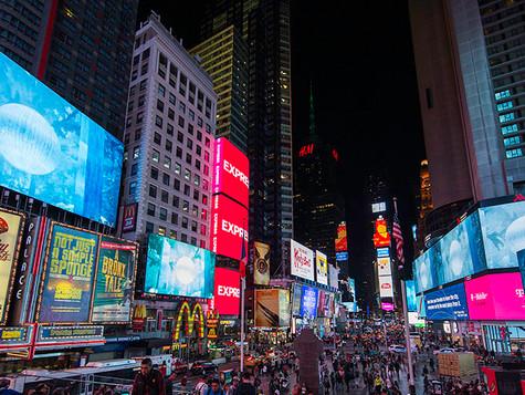 Jakob Kudsk Steensen in Time Square's Midnight Moment