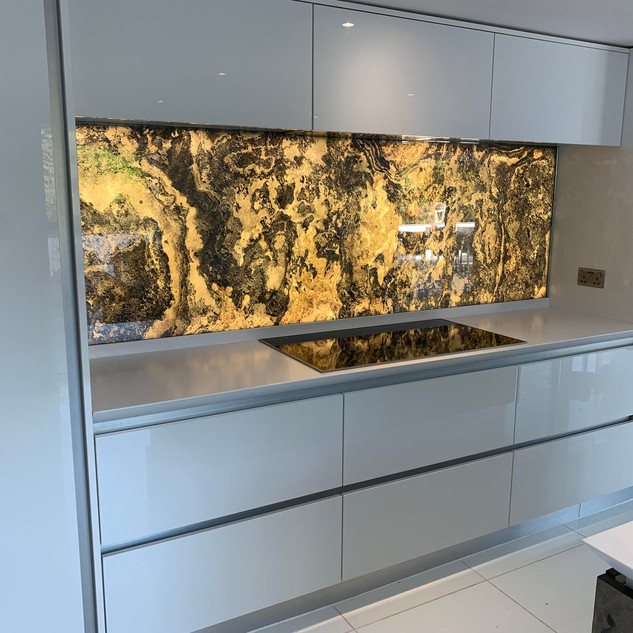 Rustique translucent Kitchen Wall