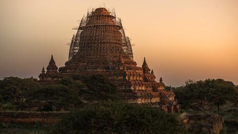 Bhuddist Temple / Myanmar