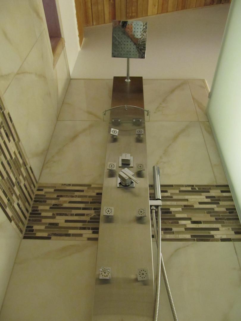 Rainhead massaging shower panel (in all bathrooms)