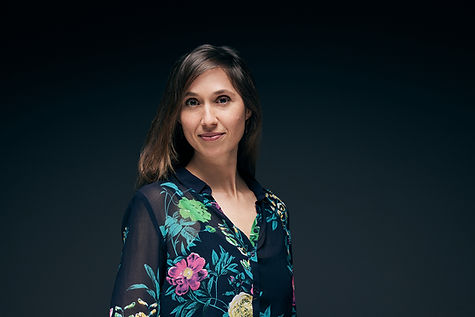 Portrait-Laura221.jpg