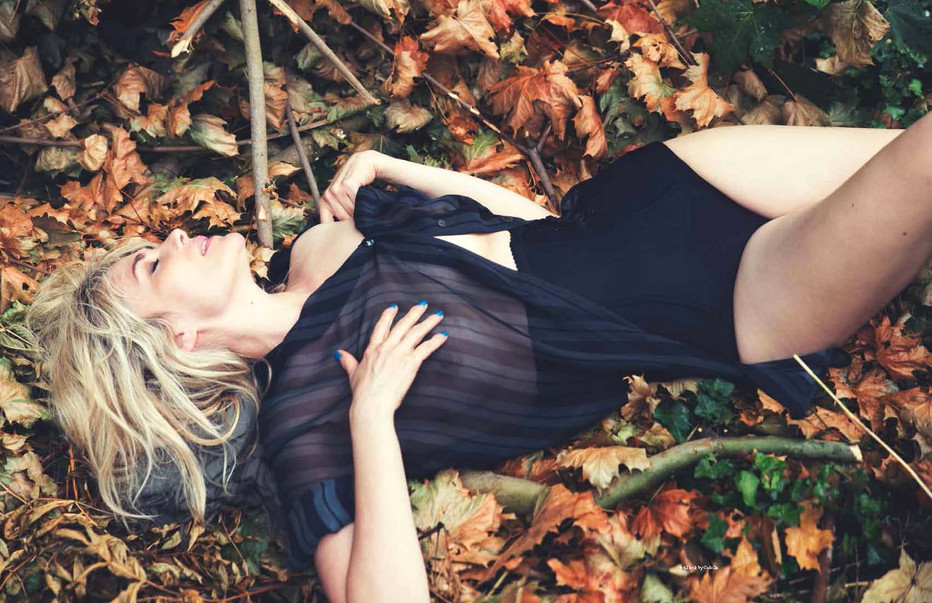 Emmanuelle Seigner - David Bellemer - crush fanzine- Storny Misericordia