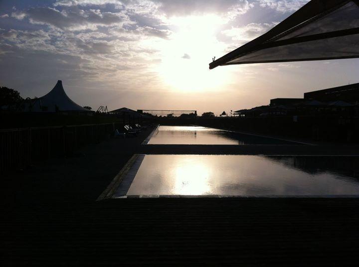 Facebook - Pool sunset