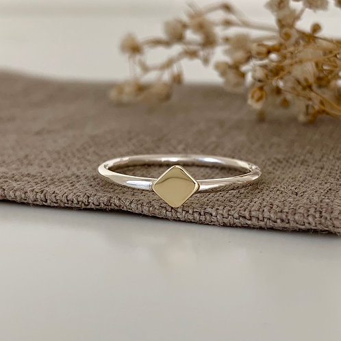 GOLDEN SQUARE RING