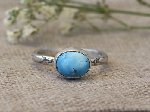 GOLDEN HILLS TURQUOISE RING WITH PATTERNED BAND - SIZE 5 3/4