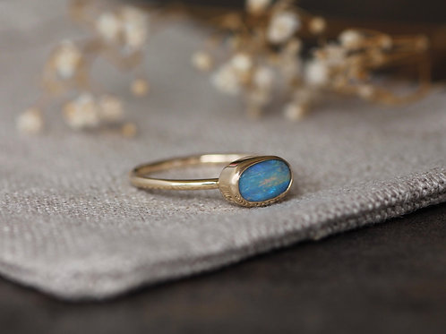 SOLID 9KT GOLD FLASHY OPAL RING