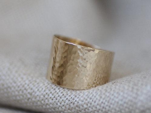 9KT GOLD HAMMERED WIDE BAND RING