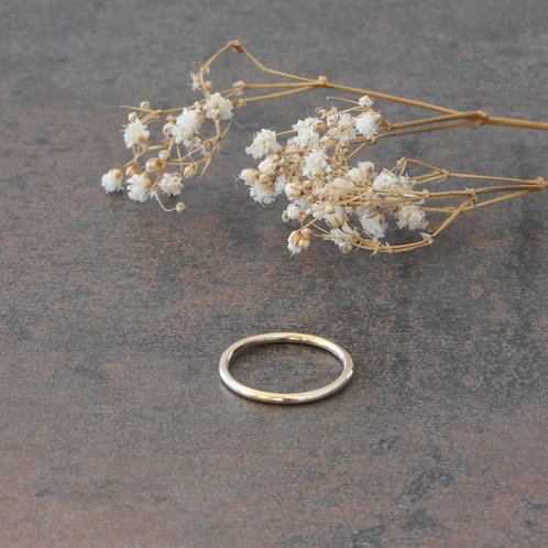 CLASSIC 9KT GOLD RING