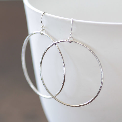 EVERYDAY HAMMERED HOOPS