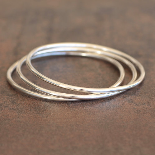 EVERYDAY SOLID STERLING SILVER BANGLE