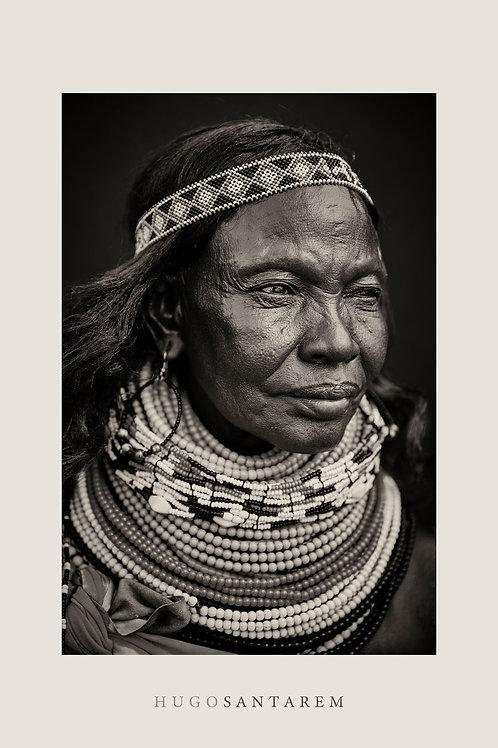 Poster. Mulher da tribo Turkana. Kenya.  Parte da série Interior.