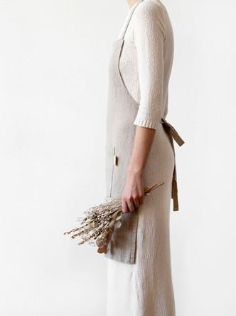 natural-daily-apron-linen-tales-2.jpg