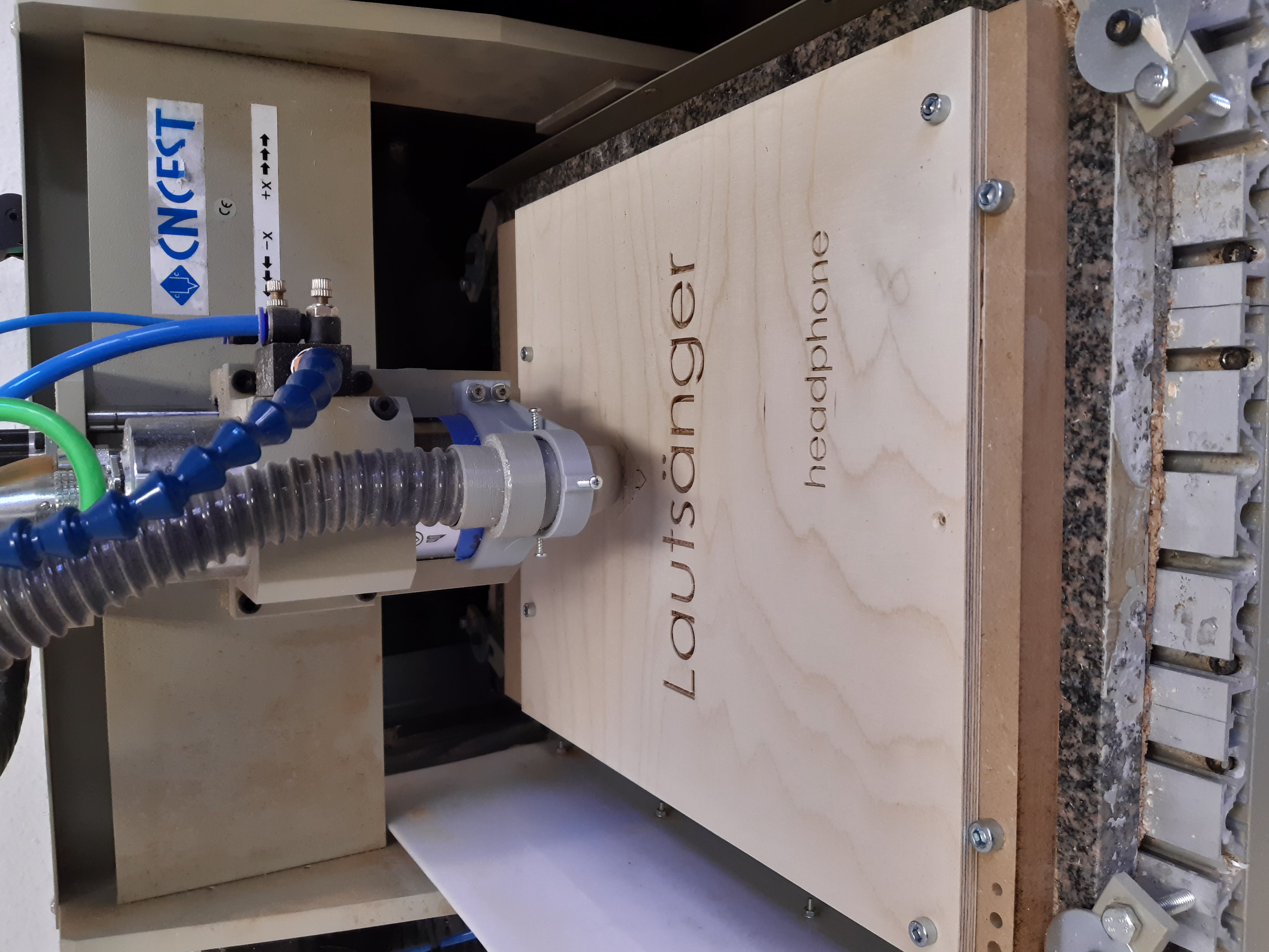 Lautsänger Holzbox Produktion