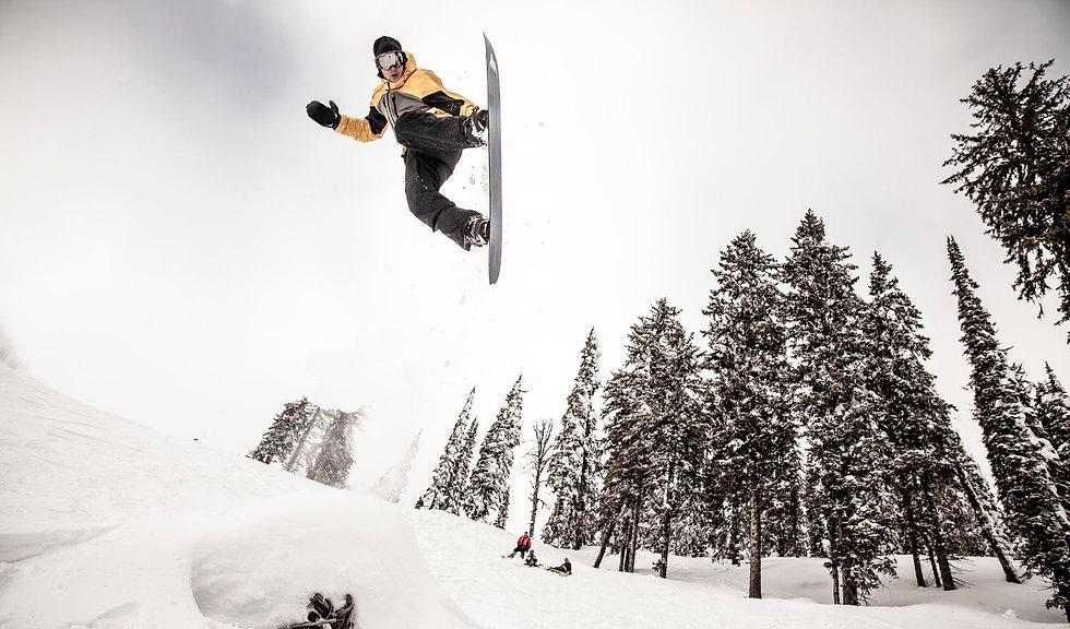 Snowboarder in air.jpg