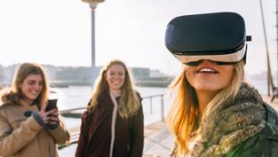 Mid-Century Modern: Advertising in Virtual Realty