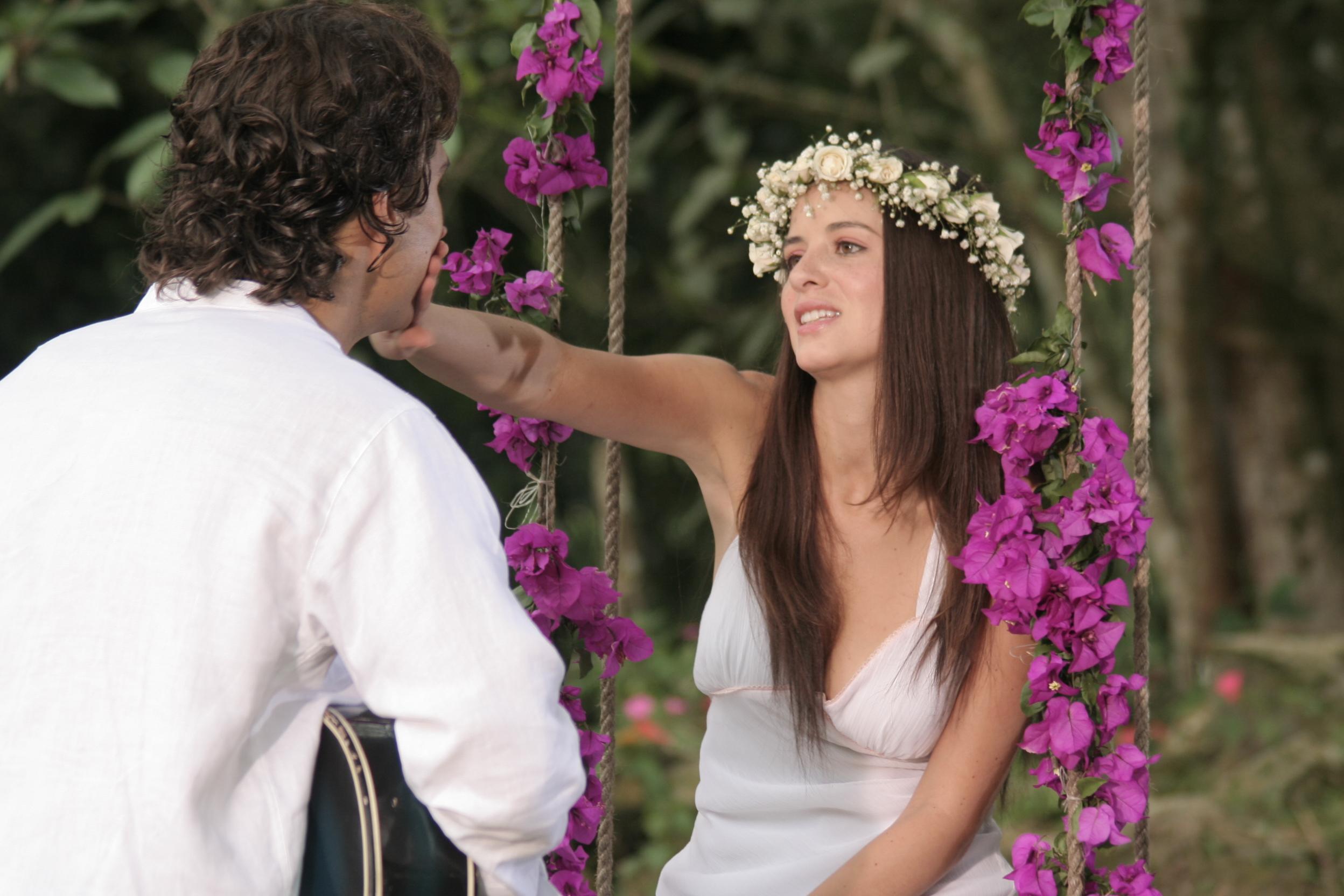 Jovenes y romanticos