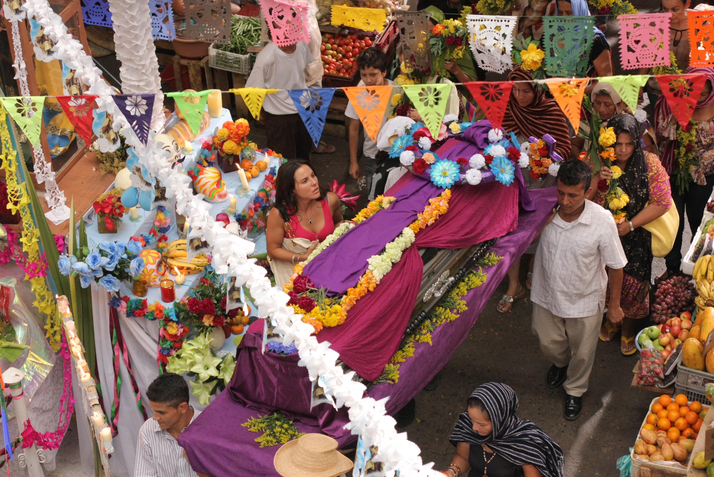 Culiacan dia de muertos-Montaje en plaza de mercado Girardot