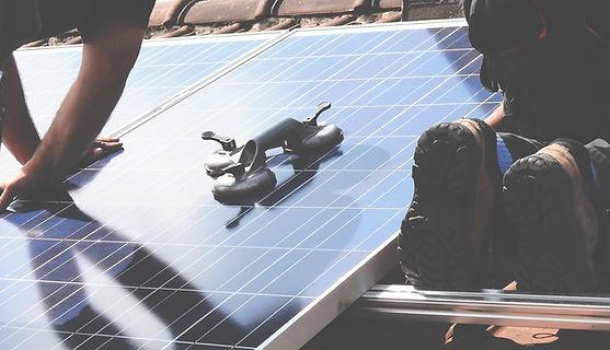 מתקן סולארי לטעינת סמארטפון