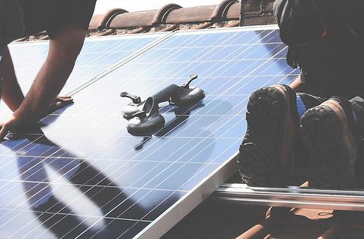 Regenerative Energien in Starnberg und Umgebung, wir beraten Sie bei der Umrüstung zu regenerative Energien und heldfen Ihen dabei bares geld zu sparen. Wir sind Ihr kompetenter Gas und Wasserinstallateur in Starnberg und unterstützen Sie ausserdem bei allen Fragen reund um Sanitär Heizung und regenerativen Energien in Starnberg und Umgebung. Dusche Wasserhahn WC Repartur Wartung Armaturen Starnbergersee.