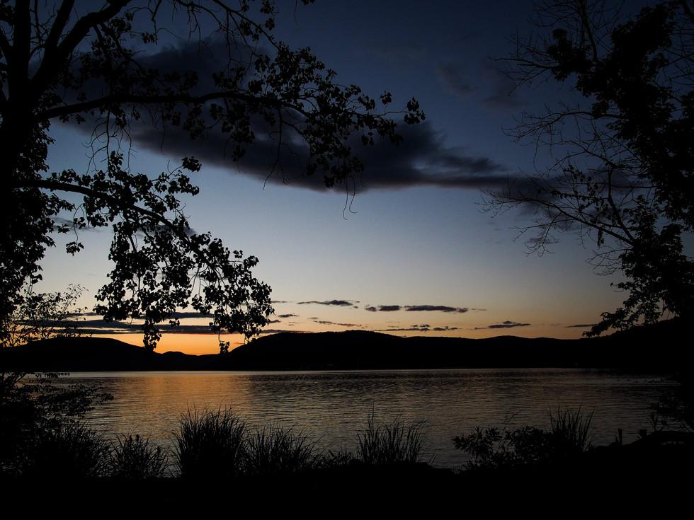 Sunet on the Hudson