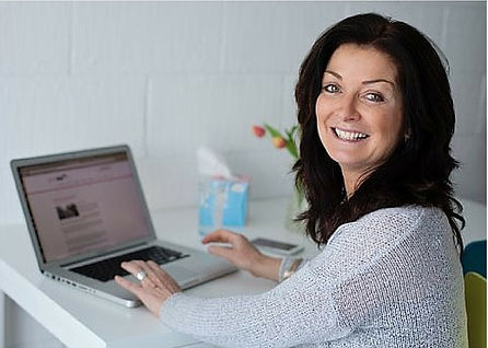 Caroline Evers, founder of Busy Bee Networking